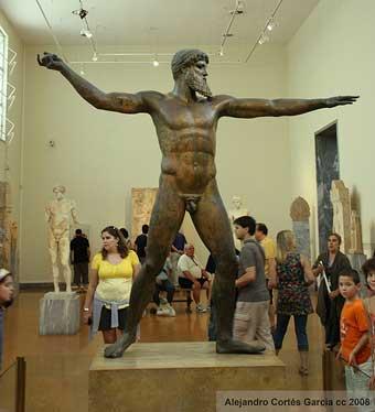 Poseidon.jpg.Museo arquológico. Cosas que hacer en Atenas. alt=