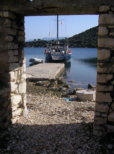 P10111241.jpg.Pueblo abandonado de la isla de Kalamos