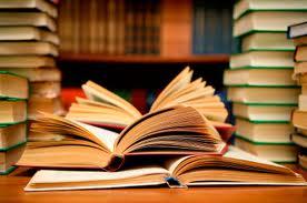 libros.jpg.Navegar por el Jónico. Literatura