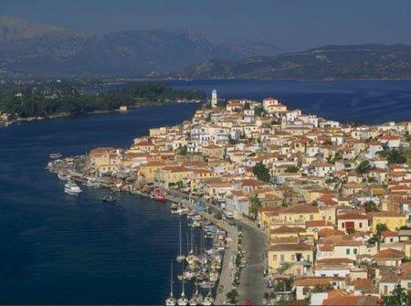 poros-island-greece2.jpg.Navegando a vela por el Egeo. Isla de Poros